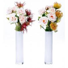 6 Rosas con proteas.